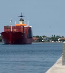 Crollano i container ma non per tutti: Tcr in flessione, Setramar in crescita